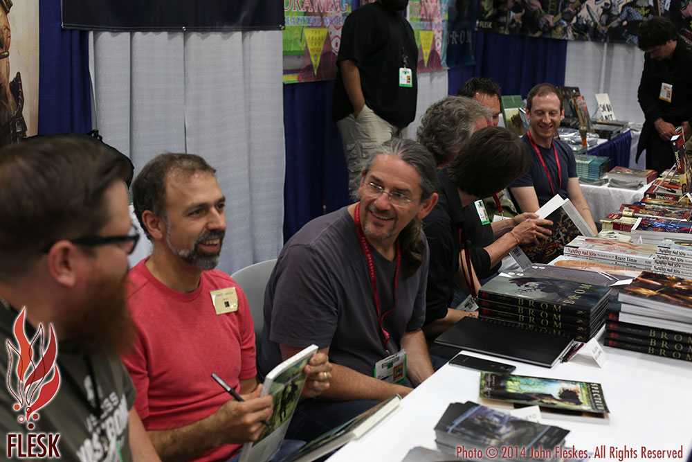 Comic-Con-Spectrum-Signing-2014-07